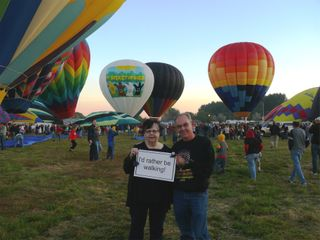 1Larry and Turella W 092809 hot air balloon